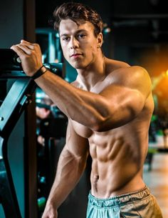 Ripped Muscle, Ripped Men, Muscle Men, Body Picture, Barefoot Men, Shirtless Men, Guy Pictures, Body Inspiration, Male Body