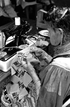 Lottie Shore making Seminole patchwork- White Springs, Florida photo by Nancy Nusz Florida State Archive