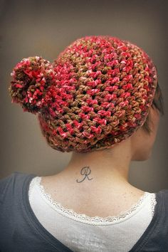 Items similar to Retro Inspired Crochet Pom Hat - Slouch Hat Variegated Pink/Red with Pom- Womens Fashion - Accessories on Etsy Loom Knit Hat, Crochet Slouchy Hat, Chunky Crochet, Slouchy Beanie, Knitted Hats, Knit Crochet, Hat Patterns, Knitting Patterns Free, Crochet Patterns
