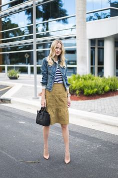 Little Blonde Book A Fashion Blog by Taylor Morgan: Ruffle Skirt. White and navy sweater+camel ruffle knie-long skirt+nude pumps+denim jacket+black handbag. Fall Transitional Outfit 2016