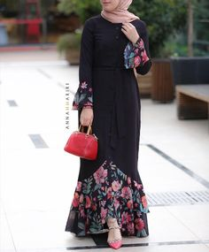 Muslim Fashion, Abaya Fashion, Islamic Fashion, Fashion Dresses, Kebaya Dress, Hijab Dress, Hijab Outfit, Modest Dresses, Nice Dresses