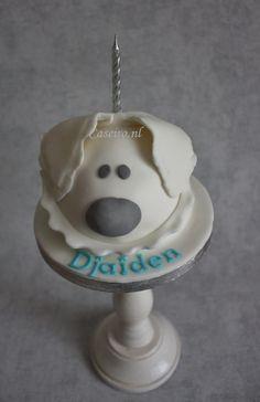 Woezel grey/white Birthday cake