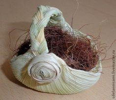 Miniaturní košíček Diy Floam, Corn Husk Crafts, Corn Husk Dolls, Science Crafts, Weaving Designs, Sea Glass Art, Weaving Art, Nature Crafts, Craft Items