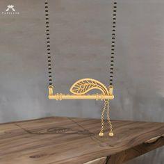 Terracotta Jewellery Designs, Antique Jewellery Designs, Gold Ring Designs, Gold Jewellery Design, Fancy Jewellery, Modern Mangalsutra Designs, Gold Jewelry Simple, Silver Jewelry, Peacock Jewelry