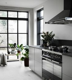 Modern Kitchen Design – Want to refurbish or redo your kitchen? As part of a modern kitchen renovation or remodeling, know that there are a . Kitchen Dining, Kitchen Decor, Kitchen Ideas, Best Kitchen Design, Modern Kitchen Interiors, Small Kitchen Organization, Scandinavian Kitchen, Minimalist Kitchen, Beautiful Kitchens