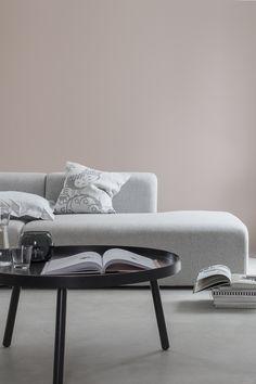 Musta ovi -blogin Marjan uusi olohuoneen sävy: Neito X420. Täydellinen sävy Harmonylla-sisustusmaalilla maalattuna.