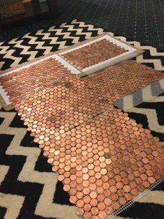 piso de monedas de 1 centavo