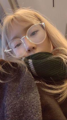 She looks so cuddly Sooyoung, Yoona, Snsd, Jeonju, South Korean Girls, Korean Girl Groups, Taeyeon Wallpapers, Kim Tae Yeon, Korean Actresses
