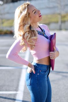 Hudson high waisted skinny jeans, crop swater, hgh heels and Gigi New York magenta clutch! TODAY on my #fashionblog www.it-girl.it #fashion #style#look #blonde #girl #lookoftheday #outfit #outfitideas #ootd