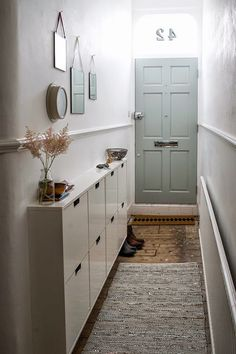 Decorating Small Spaces: 7 Bold Design Elements to Try in Your Hallways. Decorating Small Spaces: 7 Bold Design Elements to Try in Your Hallways Small Room Decor, Decorating Small Spaces, Small Rooms, Small Apartments, Narrow Hallway Decorating, Porch Decorating, Hallway Storage, Storage Spaces, Shoe Storage