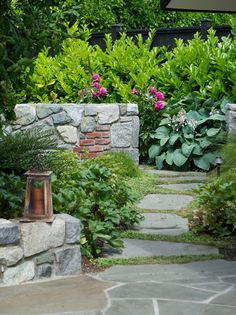 The stone segments of this garden make an impressive visual impact.