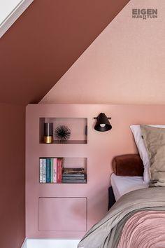 Make a headboard for your bed yourself DIY headboard . Bedroom Color Schemes, Bedroom Colors, Teal Girls Rooms, Home Bedroom, Bedroom Decor, Bedrooms, Bedroom Layouts, Bedroom Vintage, Trendy Bedroom