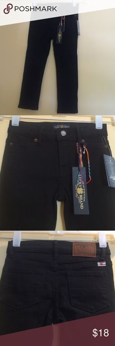 New with tags,Lucky Brand, Children 's Jeggings 4T New with tags, Black Jeggings. 75% cotton,23% polyester,2% spandex. size 4T toddler, Lucky Brand Bottoms Jeans