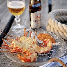 Gratinerad hummer Lobster Thermidor, Christmas Punch, Poke Bowl, Juicy Fruit, Swedish Recipes, Punch Recipes, Skagen, Hummer, Dessert Recipes