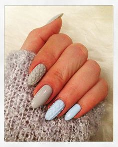 I am unfolding before you 15 winter sweater nail art designs, ideas & stickers of Try out these winter nails. Winter Nail Art, Winter Nail Designs, Acrylic Nail Designs, Nail Art Designs, Nails Design, Holiday Nails, Christmas Nails, Christmas Tree, Maila