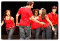Glee Dance themed hen parties are a fun way to start your hen/birthday party, fusing jazz, Broadway jazz and modern dance to prepare you to learn exciting choreographies inspired by hit TV show, Glee.