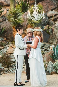 Stylish Same-Sex Palm Springs Wedding – Colony 29 – Ryan Horban Photography 25 We can not ever get enough of this midcentury modern, cactus-filled, palm tree paradise especially with this two extremely fashionable brides and a guest list dressed oh-so-well. #bridalmusings #bmloves #wedding #ido #bride #lgbt #lgbtq #palmsprings #50s #60s #modernismweek #palmspringswedding #lgbtwedding