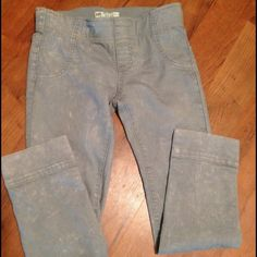 Free people cropped pants Awesome the dye look and great fit. Cropped with a cuff at the bottom. Free People Pants Ankle & Cropped