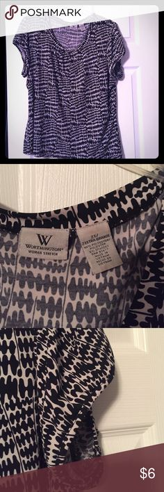 Worthington Top  sz 2X. Cute Worthington top from JC Penney. great for work or play. Sz 2X. Excellent conditon. 95% polyester and 5% spandex Worthington Tops