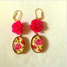 ⭐️HOST PICK⭐️GOLD YELLOW & HOT PINK ROSE EARRINGS PINK & YELLOW ROSE EARRINGS W/GOLD TONE. MATCHING BRACELET AVAILABLE IN SEPERATE LISTING Amie Jewelry Earrings