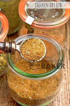 Dry Rub for Chicken - The Midnight Baker - Give all your chicken dishes excellent flavor with this dry rub. Dry Rub For Turkey, Dry Rub For Chicken, Smoked Chicken Rub, Homemade Spices, Homemade Seasonings, Homemade Gifts, Bbq Ribs, Pork Ribs, Barbecue