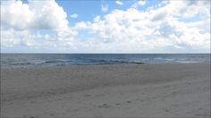 Strand Halbinsel Hel Polen   Putziger Nehrung - Die Halbinsel Hel (polnisch: Półwysep Helski Mierzeja Helska kaschubisch: Hélskô Sztremlëzna deutsch Halbinsel Hela oder Putziger Nehrung) ist eine 34 Kilometer lange Landzunge in der polnischen Woiwodschaft Pommern.  Die Halbinsel die etwa 20 Kilometer nördlich von Danzig liegt und zum Landstrich Kaschubien zählt trennt die Danziger Bucht teilweise von der Ostsee und bildet dabei die Putziger Wiek. Die Landzunge ist zwischen 200 Metern und…