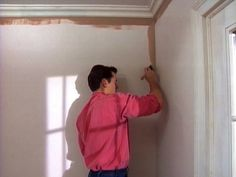 Painting Basics Got a painting project on your to-do list? Learn these DIY painting tips to ensure the project goes smoothly and looks great. Basic Painting, Painting Tips, Painting Techniques, Contemporary Bathrooms, Contemporary Paintings, Mobile Home Decorating, Interior Decorating, Painted Osb, Tile Refinishing
