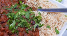 If you are looking to be powered by plants in your evening meal, then you can't go wrong with this nourishing and satisfying chilli. #recipe #chilli #blackbeans #blackbeanchilli #vegan #vegandiet #dinner #protein #proteinpowder #peaprotein