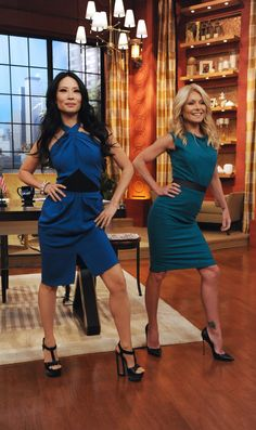 "Angelina Jolie's right leg has been trending since her appearance at the Oscars on Sunday. And on Tuesday, Lucy Liu and Kelly Ripa did their take on ""The Jolie"" on LIVE WITH KELLY. #ETCanada"