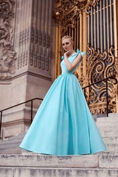 Платье «Августа» (голубое) — 29 990 рублей