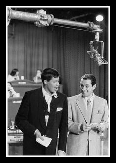 Jerry Lewis & Perry Como. This might be from one of the smaller MDA Telethons in the 1950's that Jerry did before it became national in 1965.
