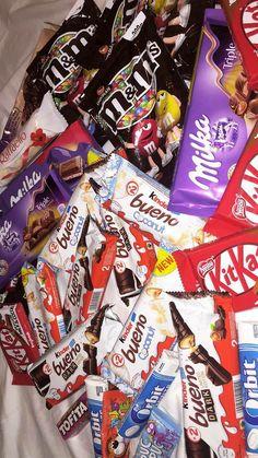 Love Chocolate, Chocolate Lovers, Cute Food, Yummy Food, Kid Friendly Appetizers, Sleepover Food, Junk Food Snacks, Healthy Junk Food, Tumblr Food