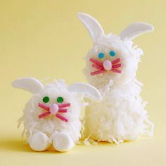 Easter Bunny Marshmallow Treats Recipe: these are 2 very sad looking bunnies. Easter Bunny Marshmallow Treats Recipe: these are 2 very sad looking bunnies. Hoppy Easter, Easter Bunny, Bunny Bunny, Family Holiday, Holiday Fun, Festive, Marshmallow Bunny, Marshmallow Frosting, Desserts Ostern