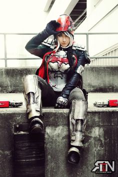Red Hood Batman Arkham Knight DLC Cosplay made and modeled by Its Raining Neon Photo by Robert Farley Red Hood Jason Todd Cosplay Outfits, Cosplay Girls, Cosplay Costumes, Raincoat Outfit, Hooded Raincoat, Lady Deathstrike, Pikachu, Red Hood Jason Todd, Batman Arkham Knight