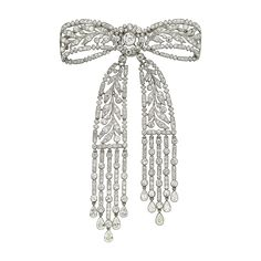 Cartier Antique Clip Brooch. Platinum, diamonds, Cartier Paris, 1910 © Cartier. Biennale des Antiquaires 2014, Paris