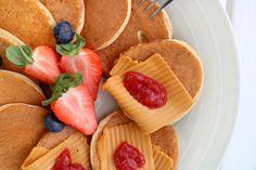 Sunne, saftige havrelapper - LINDASTUHAUG Cantaloupe, Waffles, Baking, Fruit, Breakfast, Cooking, Morning Coffee, Bakken, Waffle