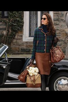 ideal outfit with ralph lauren brown leather pencil skirt and blackwatch tartan blazer very posh Preppy Mode, Preppy Style, My Style, Curvy Style, Beauty And Fashion, Look Fashion, Fall Fashion, Curvy Fashion, Fashion News