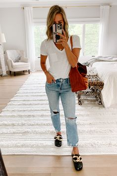 August #ootd Round Up | my kind of sweet | fall outfit ideas | women's style | mom style | boyfriend jeans | amazon fashion | what to wear | fall fashion | outfits | outfit inspiration #momstyle #outfits #outftideas #outfitinspiration #fallstyle #womensfashion #fallstyle2021 #fall2021 #mules #momjeans Mom Fashion, Fall Fashion Outfits, Everyday Fashion, Winter Outfits, Autumn Fashion, Simple Outfits, Casual Outfits, Boyfriend Jeans Style, Blogger Style