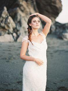Seaside Wedding Inspiration with Natural Textures | Wedding Sparrow | Jeremiah & Rachel Photography
