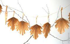 herfstslinger maken Origami, Autumn Crafts, Decoration, Paper Art, Tassel Necklace, Diys, Diy Crafts, Fall, Jewelry