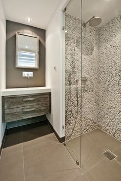 If you have a small bathroom in your home, don't be confuse to change to make it look larger. Not only small bathroom, but also the largest bathrooms have their problems and design flaws. Home, Bathroom Styling, Bathroom Layout, Bathroom Decor, Bathrooms Remodel, Remodel, Tile Bathroom, Minimal Bathroom, Bathroom Shower