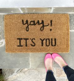 "DIY Doormat | ""Yay It's You"" Welcome Mat 