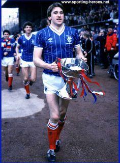 John McClelland. Rangers Football, Rangers Fc, Northern Ireland Fc, Retro Football, Steven Gerrard, Football Pictures, Soccer Players, Glasgow, Science Nature
