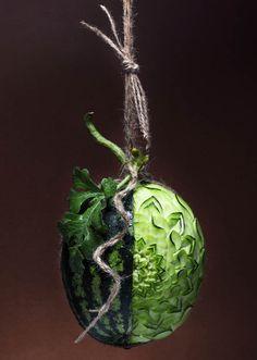 Creative Food photography by Ilian L'art Du Fruit, Fruit Art, Watermelon Art, Watermelon Carving, Carved Watermelon, Edible Crafts, Edible Art, Food Sculpture, Sculptures