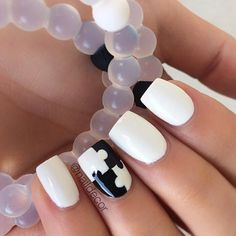 Black and White Puzzle Accent Nail
