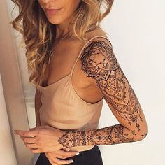 A henna tattoo or also know as temporary tattoos are a hot commodity right now. Somehow, people has considered the fact that henna designs are tattoos. Manga Mandala, Mandala Bras, Mandala Sleeve, Henna Sleeve, Lotus Mandala, Mehndi Tattoo, Henna Tattoo Muster, Henna Tattoos, Henna Mehndi