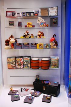Donkey Kong Franchise Cabinet at Nintendo World. That's so badass I just want to go in and take donkey kong 64 Nintendo Store, Nintendo World, Nintendo Games, Arcade Games, Video Game Rooms, New Video Games, Donkey Kong 64, Ps Wallpaper, Game Storage