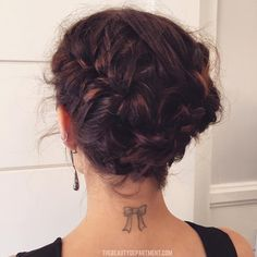If you struggle with trying to put bob length hair up, try THIS trick that Kristin Ess used on Lucy Hale.