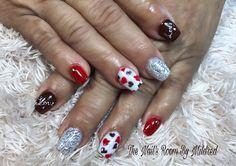 This morning's work #thenailsroom #uñas #uñasacrilicas #uñasdecoradas #nails #acrylicnails #valentinesnails #nailsofinstagram #nailsmagazine #nailprodigy #nailpromote #hearts #cute #prettynails #nailitdaily #rednails #nailsoftheday #instanails