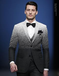 Ruben Rua in Miguel Vieira A/W Speckled ombre/gradient suit. - Tuxedos were back on men's fashion magazines increasing the popularity of black- tie affairs. Gentleman Mode, Gentleman Style, Sharp Dressed Man, Well Dressed, Mens Fashion Suits, Mens Suits, Look Fashion, High Fashion, Nyc Fashion